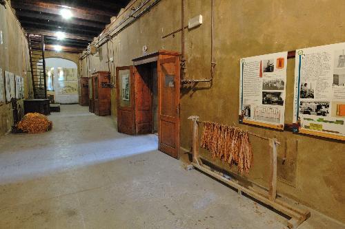 foto del museo - ingresso dell'essiccatoio