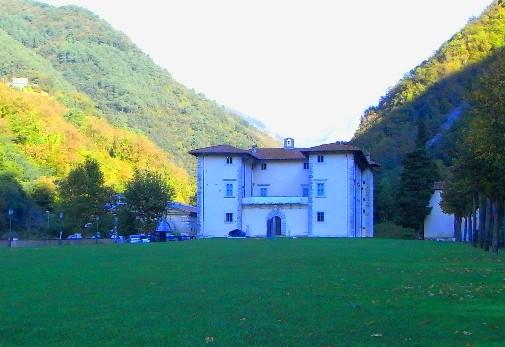 villa medicea di Seravezza, sede del museo