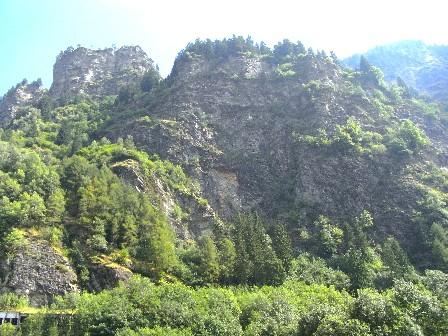 montagne a Campodolcino, verso lo Spluga